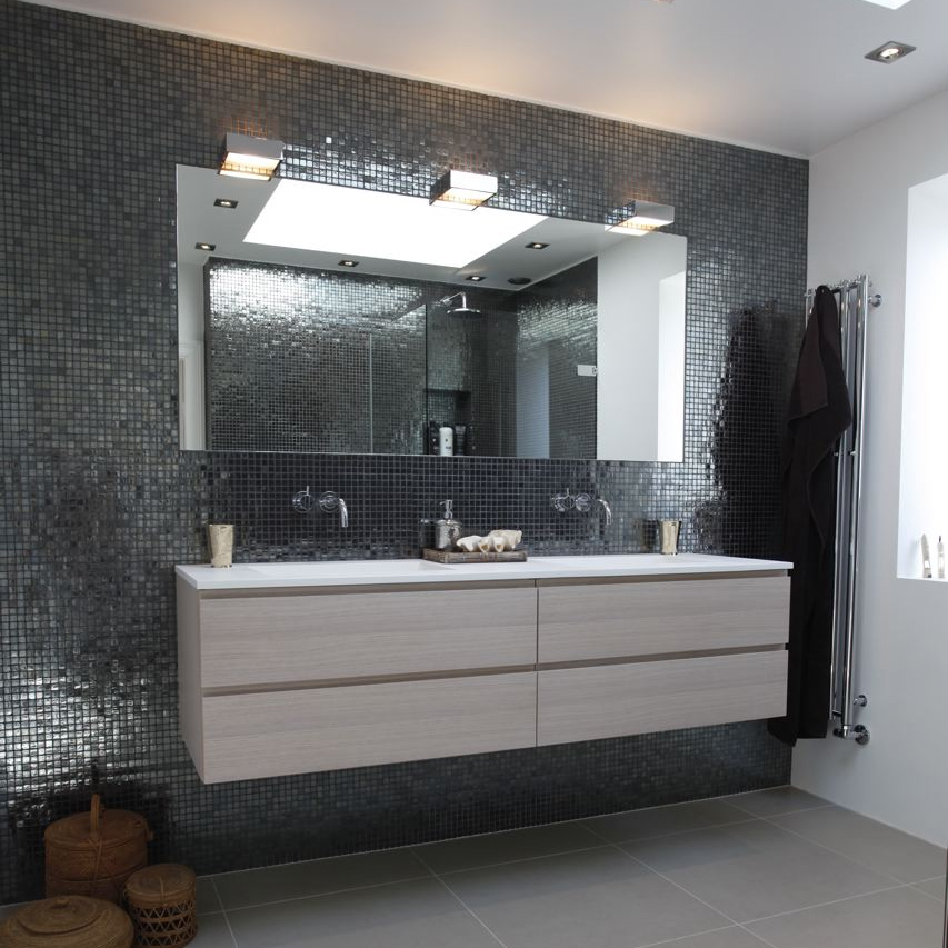 Køb nyt bad design & badeværelsesmøbler billigt hos Badstil.dk